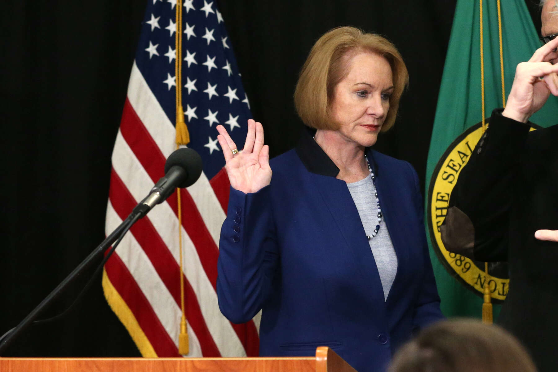 Seattle Mayor Jenny Durkan makes the {quote}Live long and prosper{quote} Vulcan salute after speaking at a news conference to announce measures to combat the spread of novel coronavirus, COVID-19, in Seattle, Washington, U.S. March 11, 2020.  REUTERS/Karen Ducey