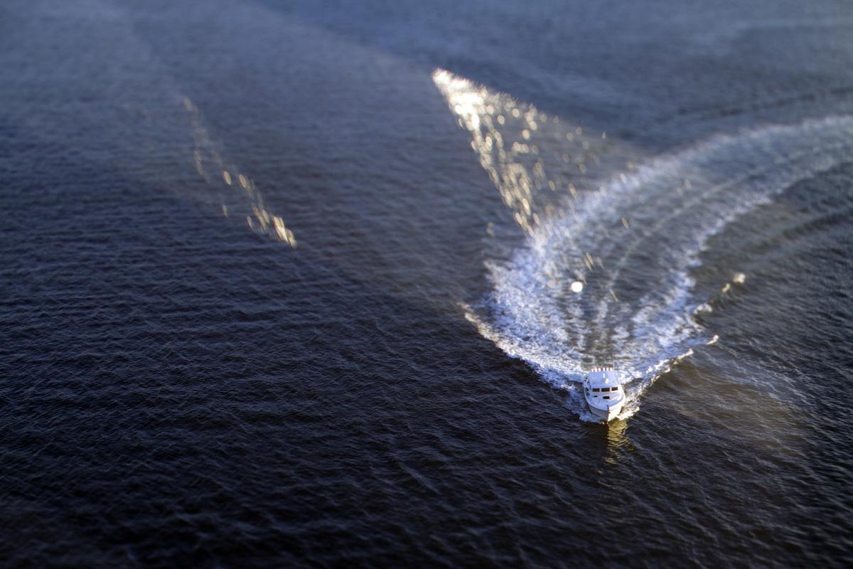 Watercraft in Elliott Bay, Seattle, Wash. (© copyright Karen Ducey)