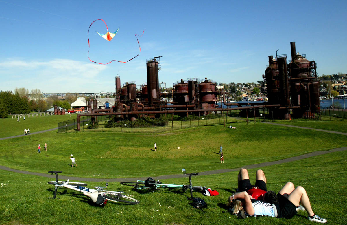 Gasworks Park, Seattle. (© copyright Karen Ducey)