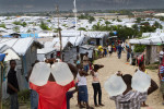A tent city by the airport in Port Au Prince, Haiti 2011 ( © Karen Ducey 2011)