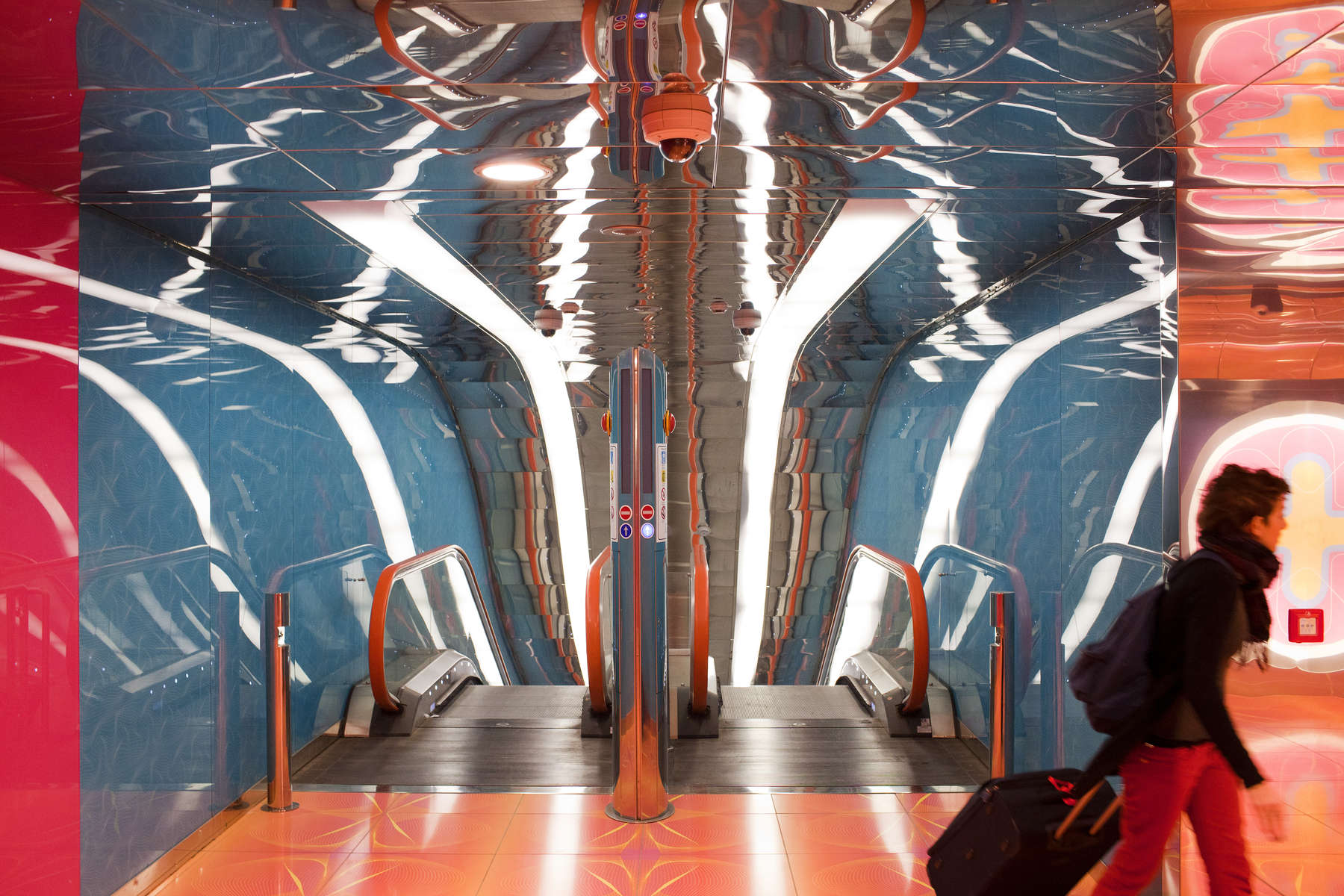 The very modern University of Naples subway station. Naples is a city on the west coast in Southern Italy and is the capital of the Campania region.+44(0)7711058090peter@peterdench.comPhotography ©Peter DenchCommissioned by:Dagmar Seeland, London OfficeHarald Menk, Hamburg Office
