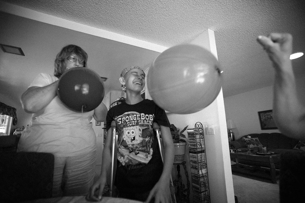 jay-balloon-in-face-party
