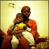 Meimouna et son fils. Elle occupe la bourse du travail depuis plus d'un mois et espère une régularisation rapide.