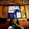 Mamadou est Malien. Il est arrivé en France en 2000. En grève depuis le 24 mai 2008, il demande sa régularisation avec 16 autres employés  des différents restaurants Marius et Janette de Paris.