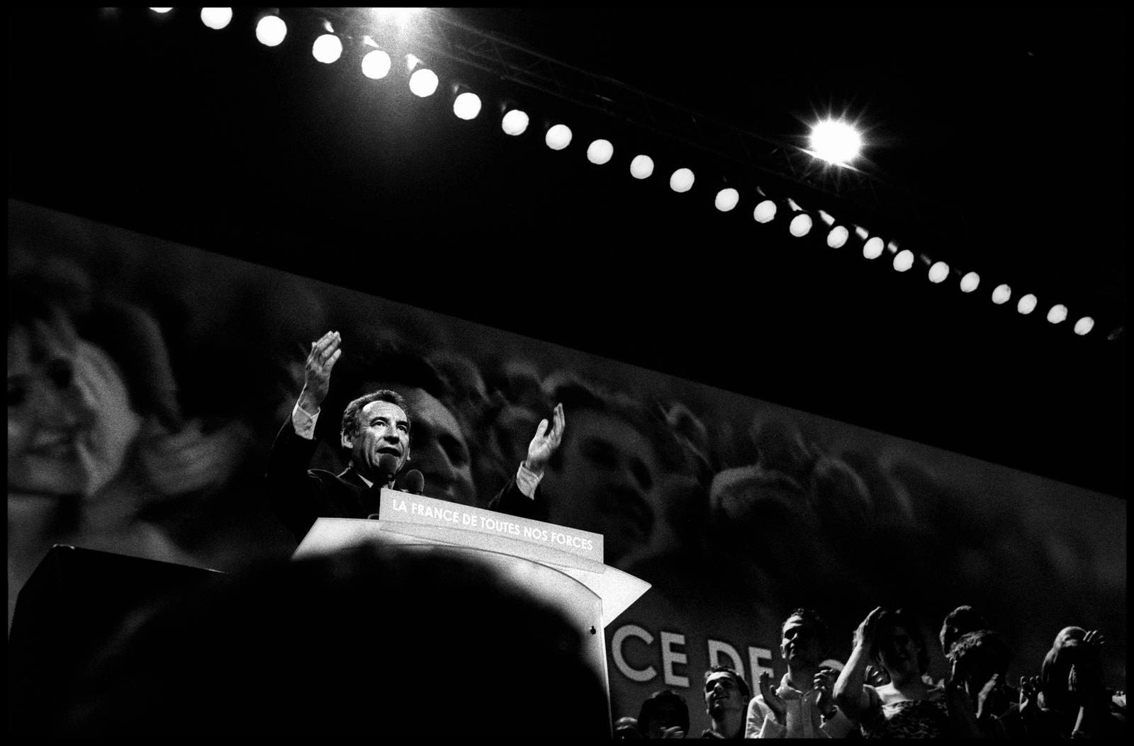 François Bayrou lors d'un meeting le 18 avril à au Palais Omnisports de Paris Bercy.