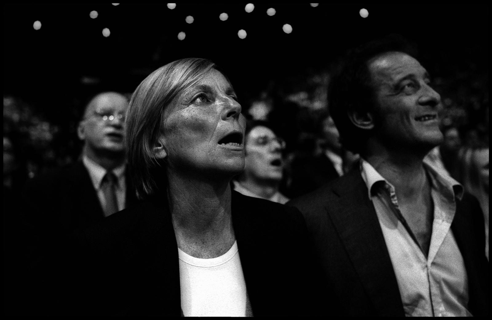 Marielle de Sarnez, directrice de campagne de François Bayrou lors de la présidentielle 2007 et Vincent Lindon lors du meeting de François Bayrou au Palais Omnisports de Paris Bercy.