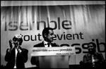 Nicolas Sarkozy, entouré de Françoise de Panafieu - candidate à la Mairie de Paris pour les municipales de 2008 - et de Simone Veil, à l'issue de son discours le 6 avril 2007 à la Mutualité de Paris.