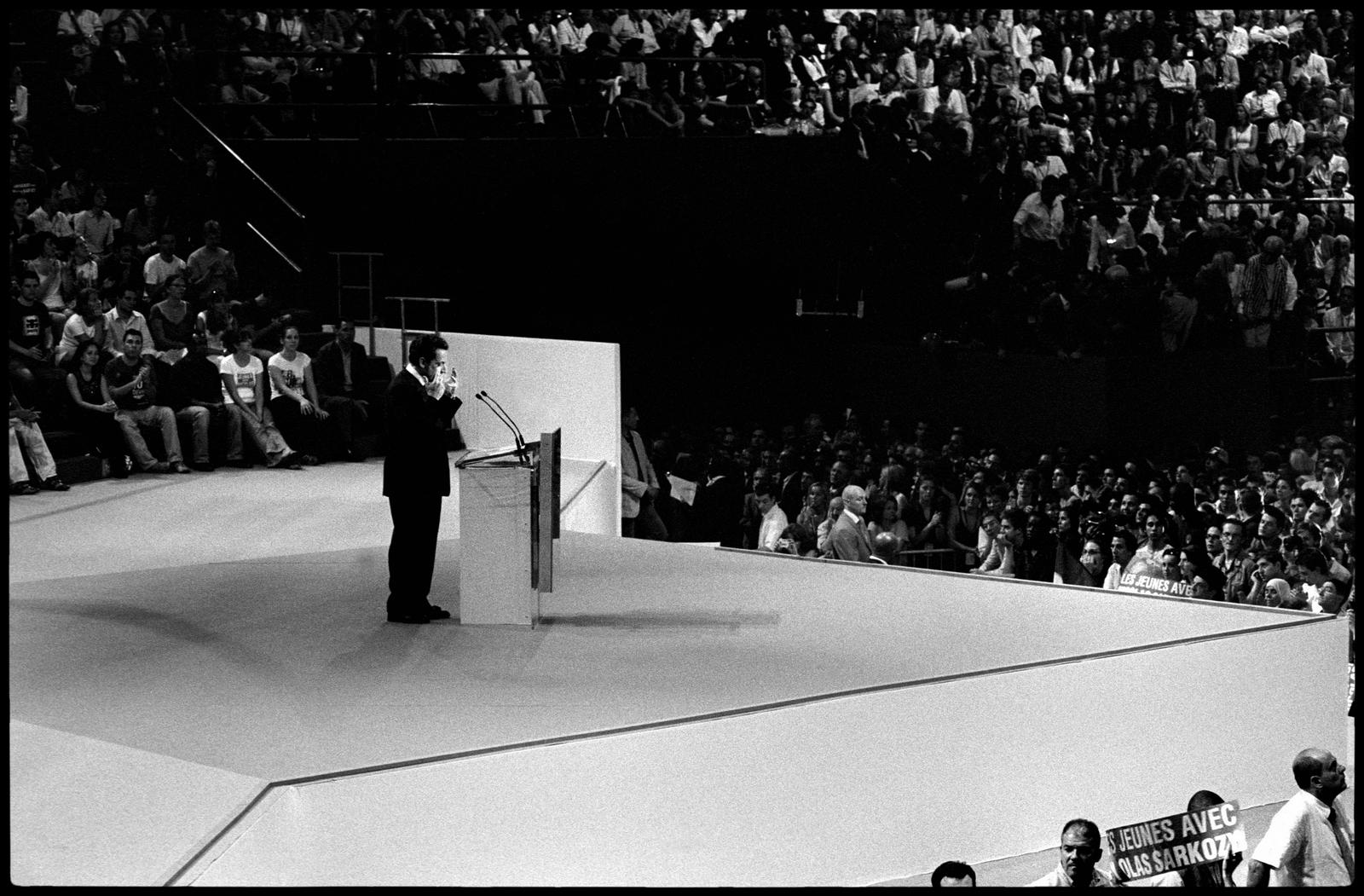 Discours de Nicolas Sarkozy au Palais Omnisports de Paris Bercy le 29 avril devant près de 15000 personnes.