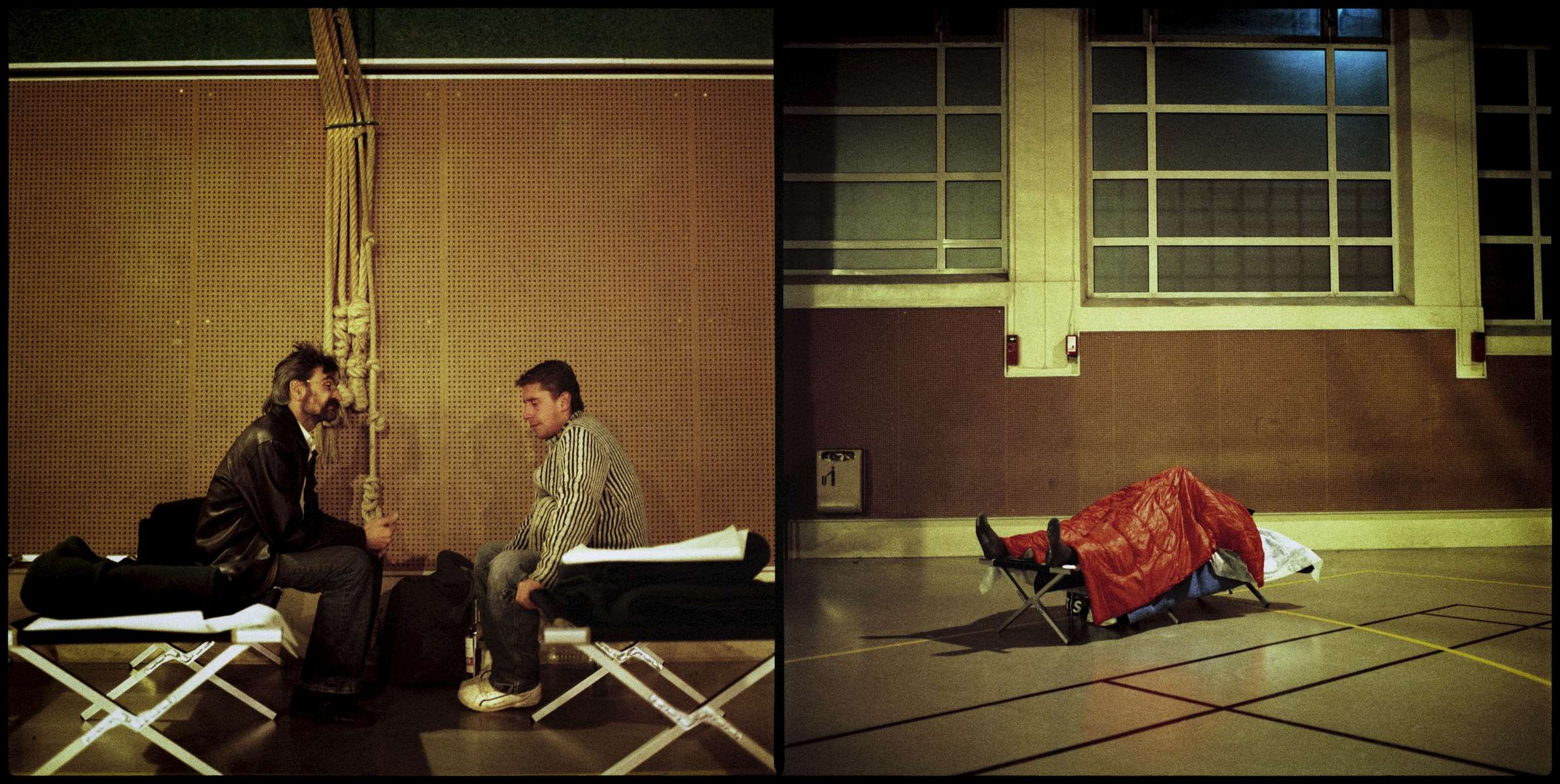 Gérard et Jean-Noël. Gymnase Paul Gauguin (Paris IXème). Jean-Noël a 27 ans et vit dans la rue depuis 11 ans. Il vient de retrouver un boulot et commence le 5 Janvier. Il dit être à la rue par choix mais admet que c'est parfois très dur. Il a un fils qu'il ne voit pas.
