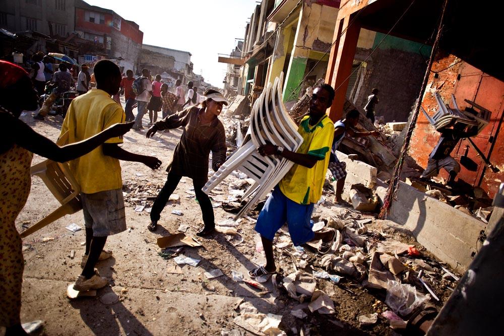 020410_MensJournal_HaitiQuake_0818