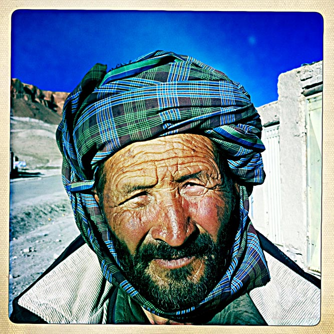iphone_Afghanistan_0003