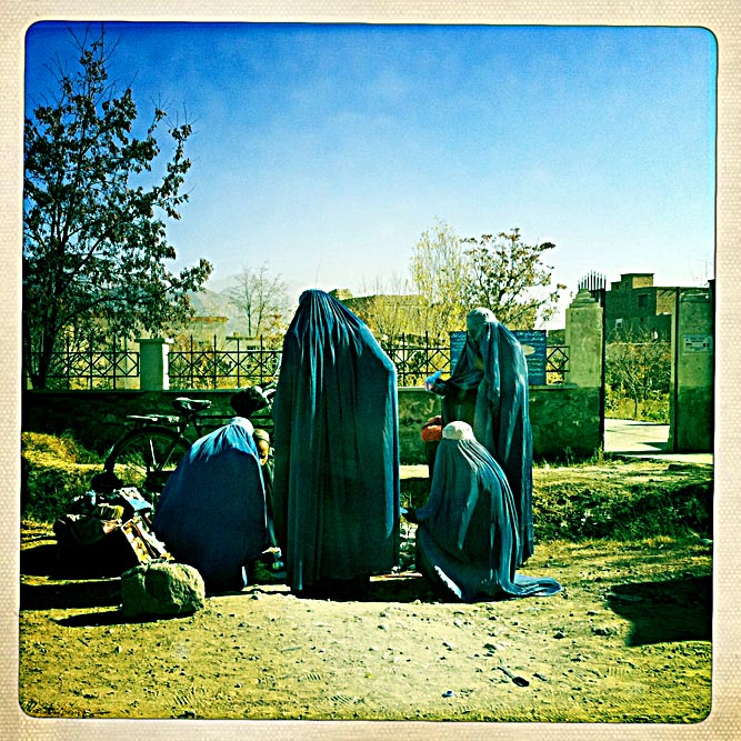 iphone_Afghanistan_0004