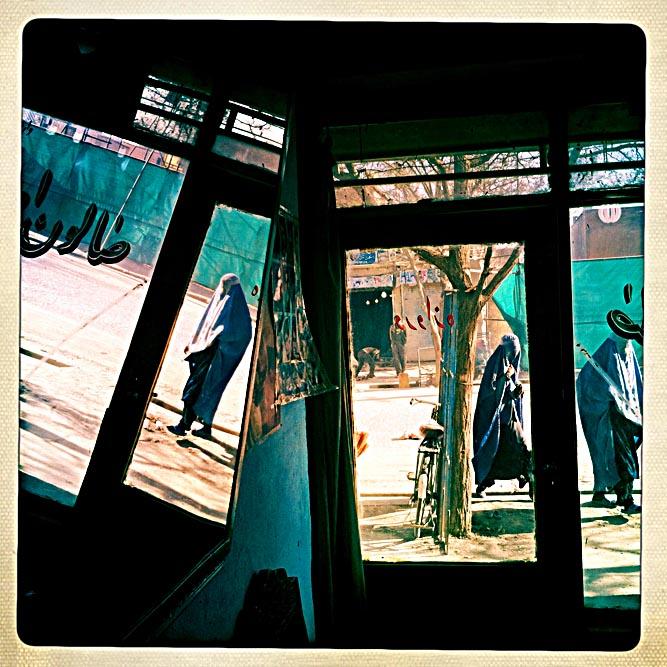 iphone_Afghanistan_0027