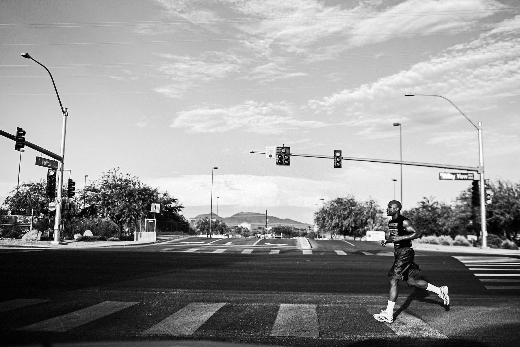 LAS VEGAS, NV - JULY 27: On a searing 106-degree Vegas evening, Mayweather takes to the streets for a six-mile run. (Photo by Benjamin Lowy/Reportage by Getty Images)