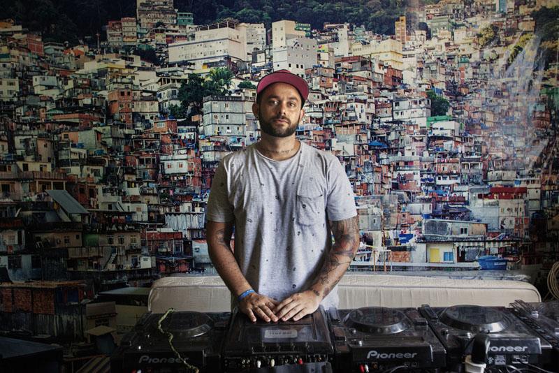 Dembore - DJ - DJ teacher - Rocinha