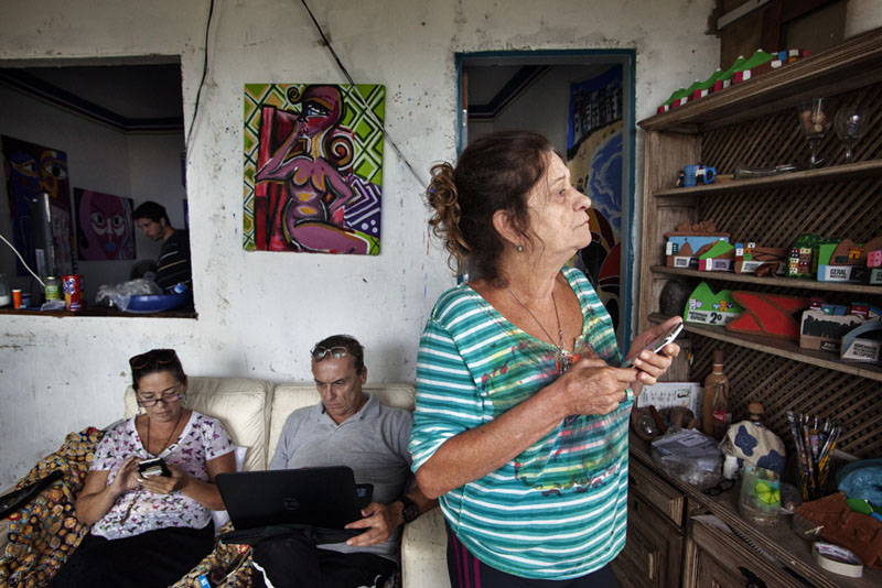 Sonia Magalhaes (right) - artist - Vidigal