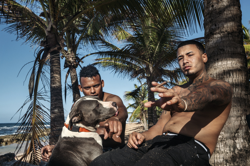 Jonathan, Oleny and their dog, Luna in Piñones beach, Loiza.