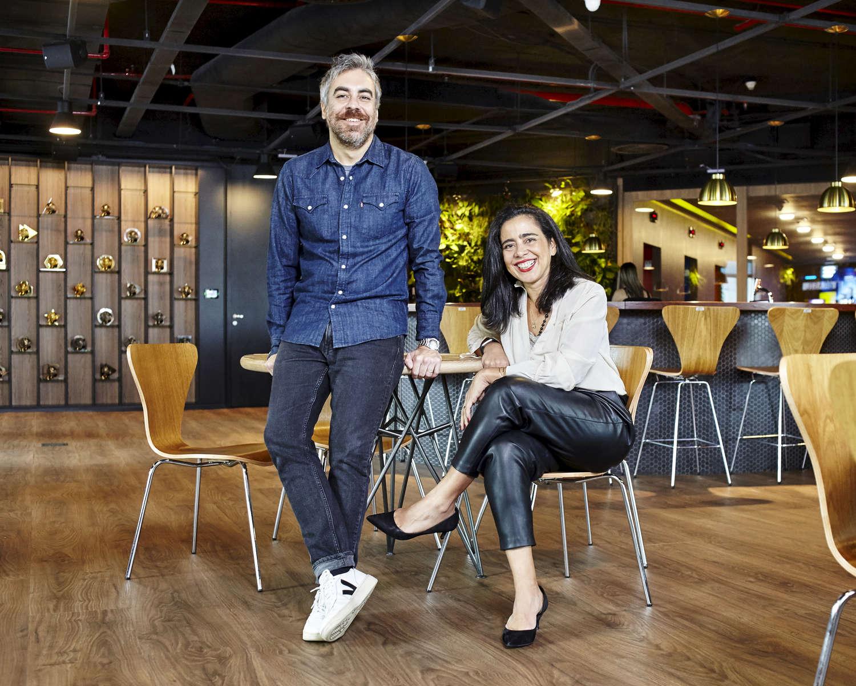 Elton Longhi e Cris Pereira Heal