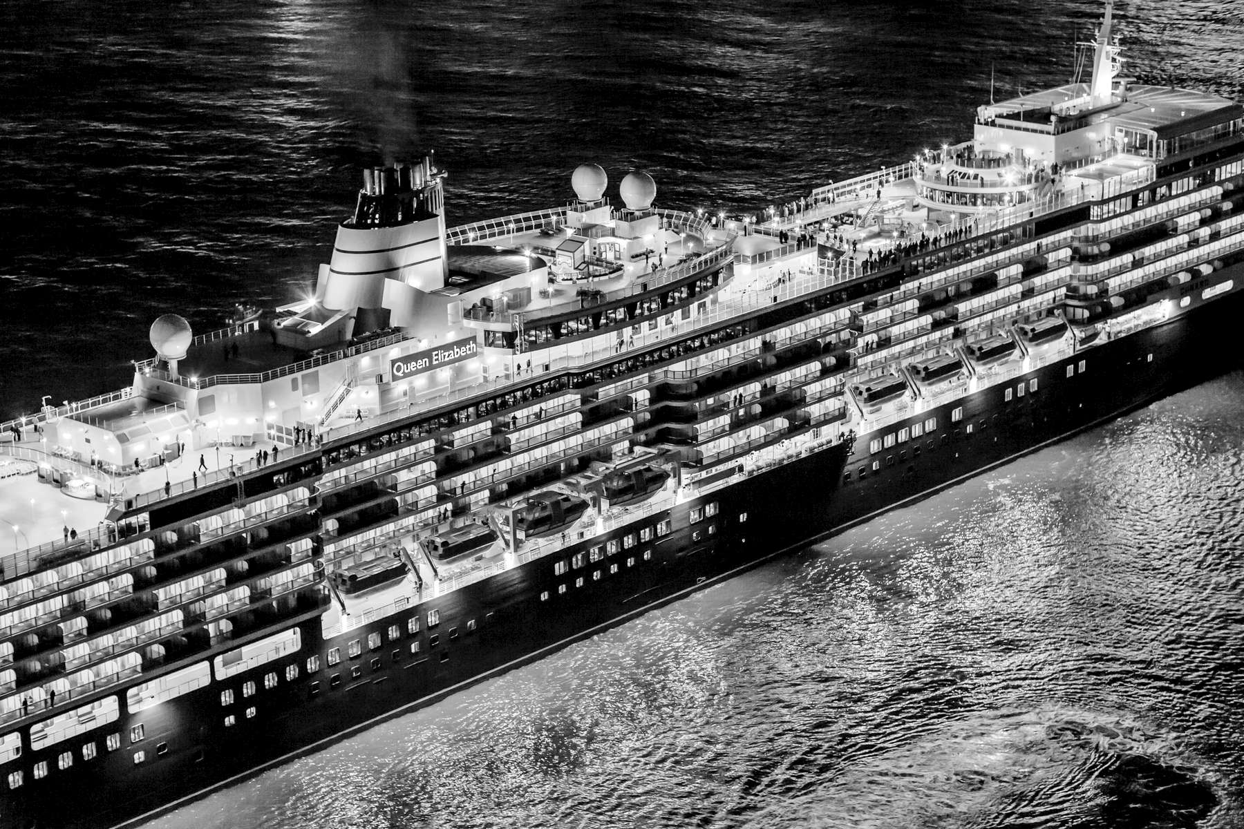 Cunard's Three Queens Sailaway