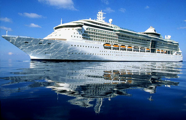Is It Possible Do Drive With Big Cruise Ship Without Experience - Big cruise ship
