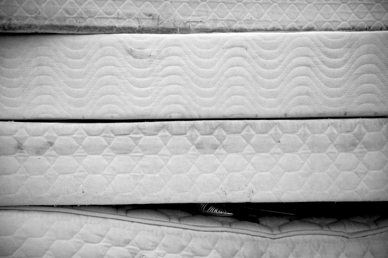 Soaked mattresses, Garland