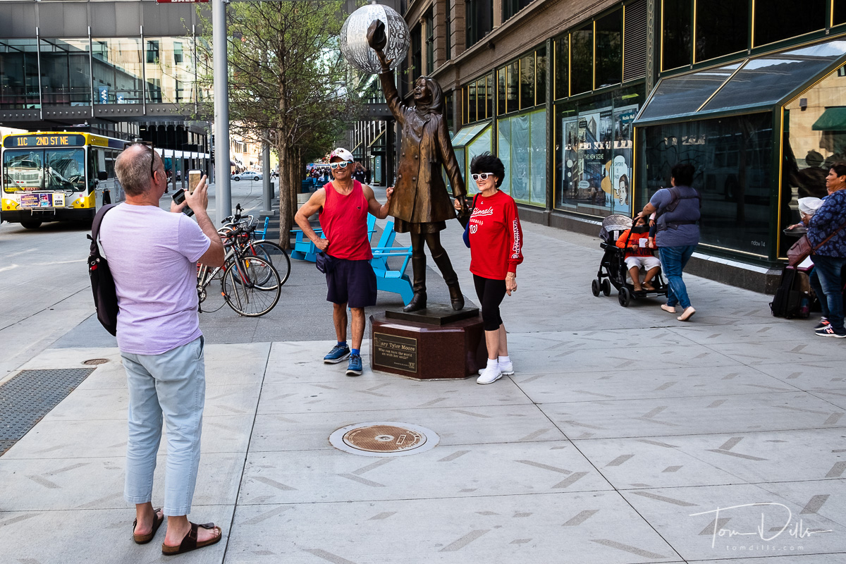 Mary Tyler Moore statue in downtown Minneapolis