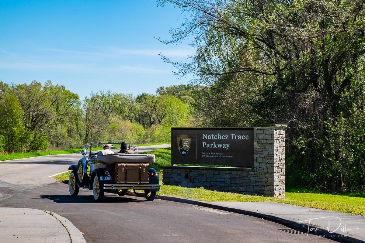 Entrance to the Natchez Trace Parkway at Natchez, Mississippi