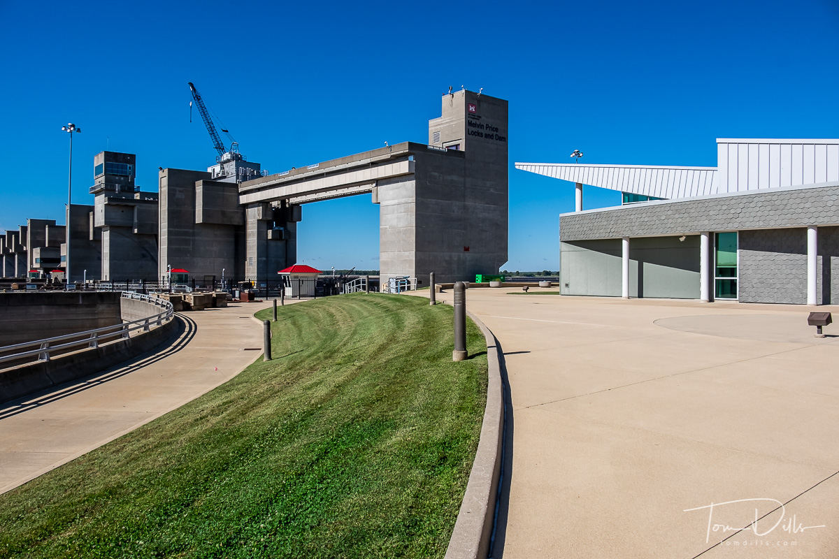 National Great Rivers Museum and Melvin Price Lock & Dam near Alton, Illinois