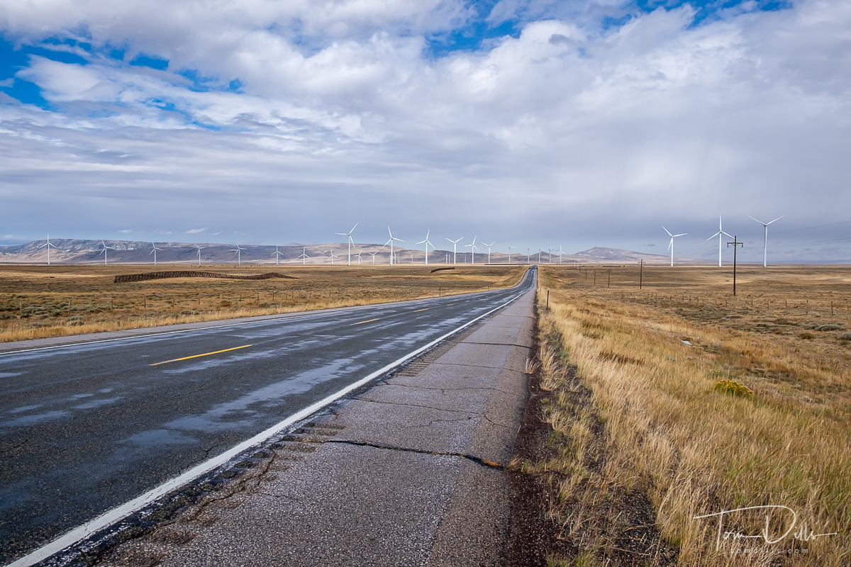 Wind farm along US-487 south of Casper, Wyoming