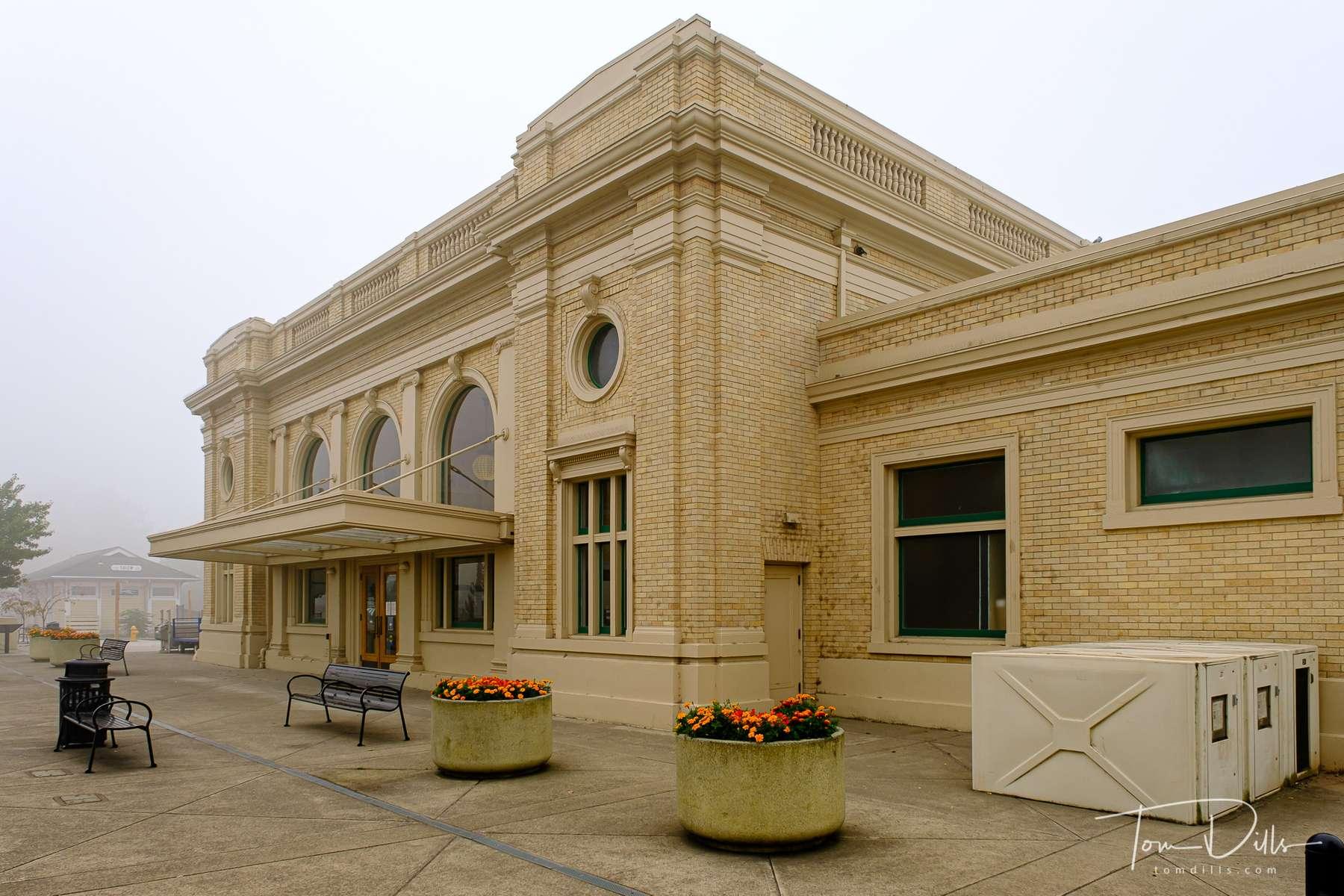 Salem, Oregon Amtrak station and Greyhound Bus depot