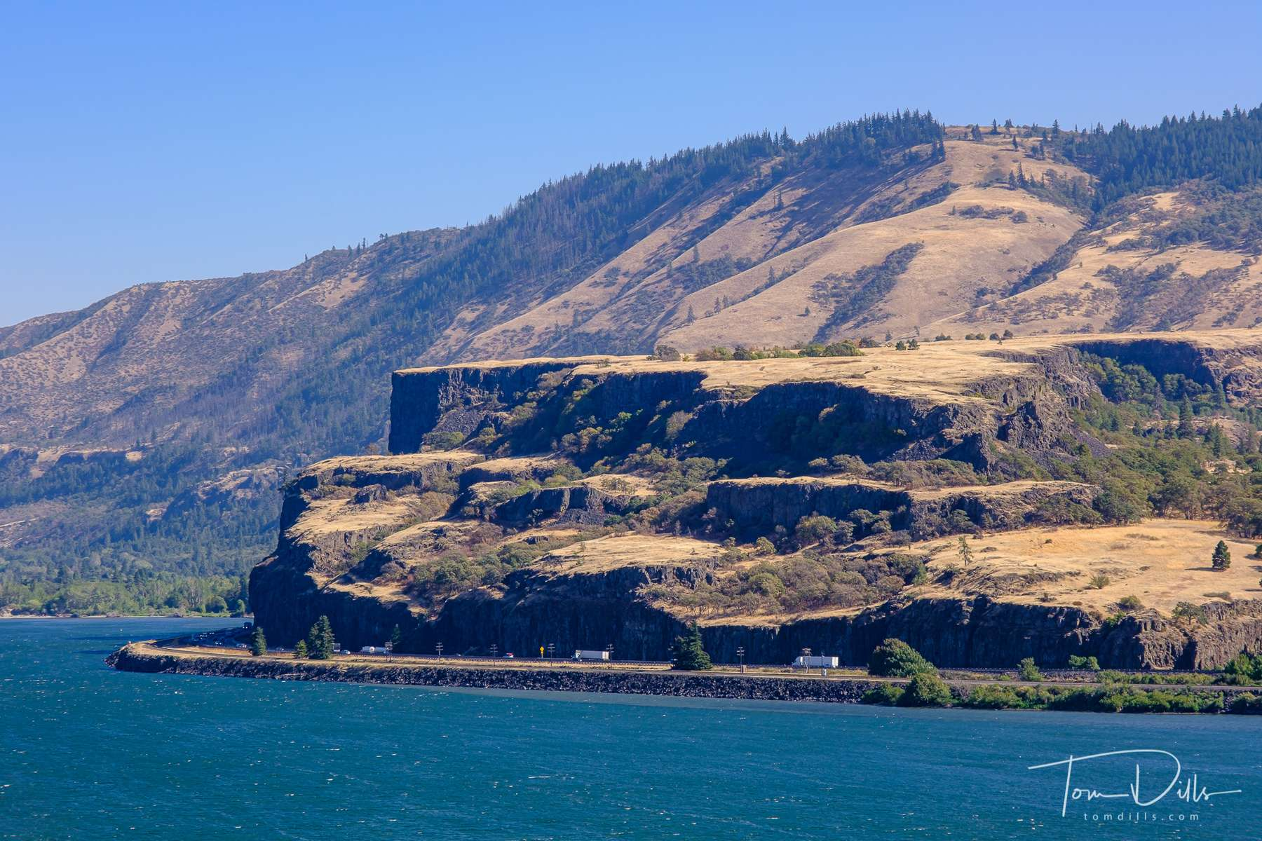 Scenery from the Chamberlain Lake Rest Area on SR-14 along the north side of the Columbia River in Washington