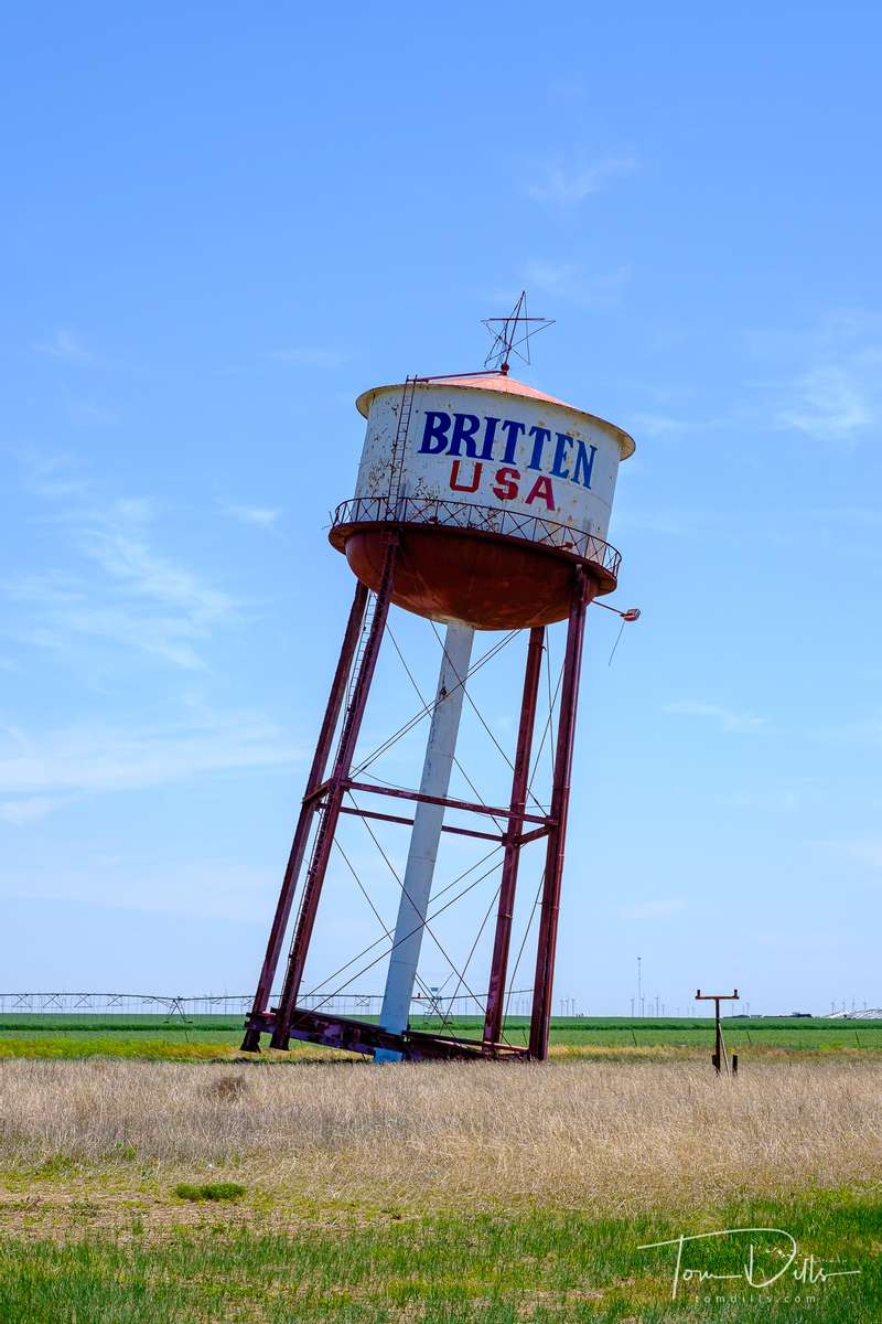 {quote}Leaning Tower of Texas{quote} near Groom, Texas on Historic Route 66