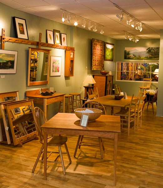 Twigs & Leaves Gallery features nature-related art and fine crafts from Southern Appalachia, with the works of more than 150 emerging and established artists.
