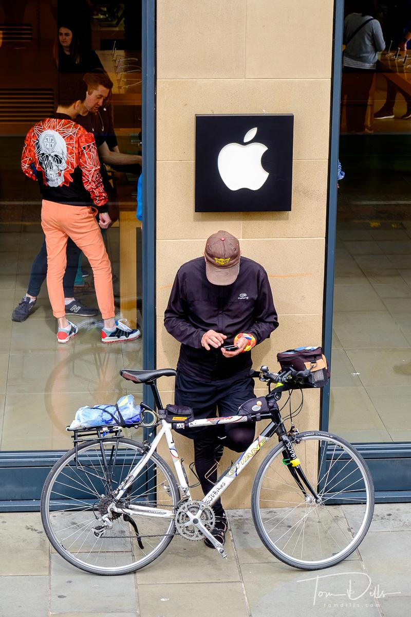 Apple Store in Edinburgh