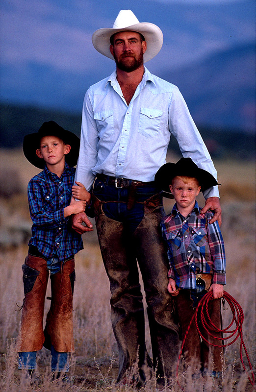 PORT_Cowboy_and_two_son_srgb_WEB