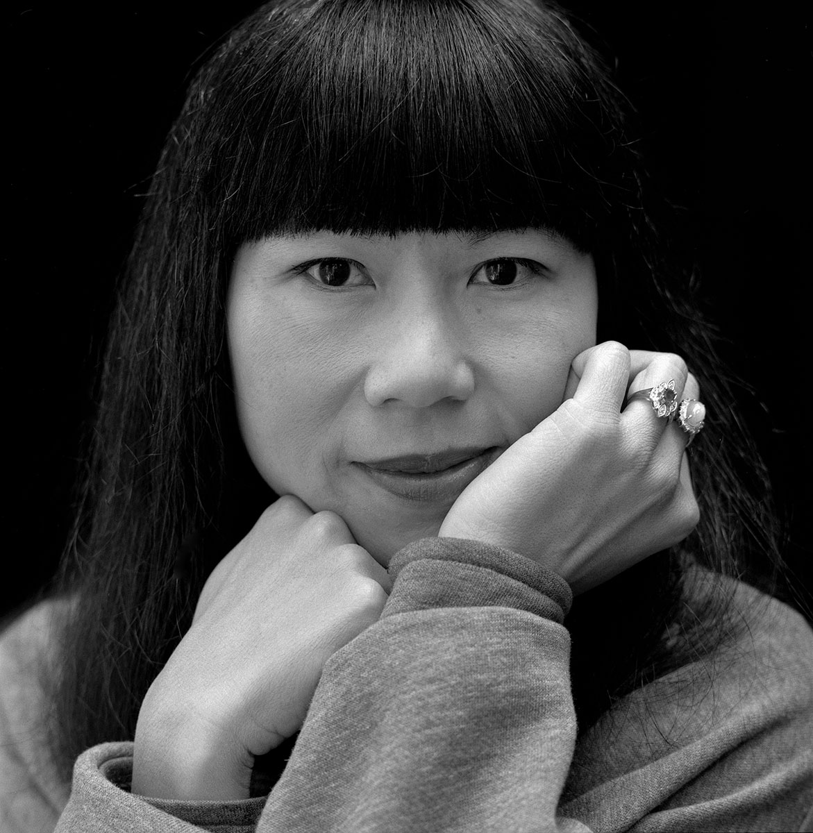 amy tan Amy tan (譚恩美 tán ēnměi) (born 19 february 1952) is a chinese-american  writer and member of the rock bottom remainders, most famous for her novel.