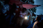 Haiti_Solar_flashlight_05
