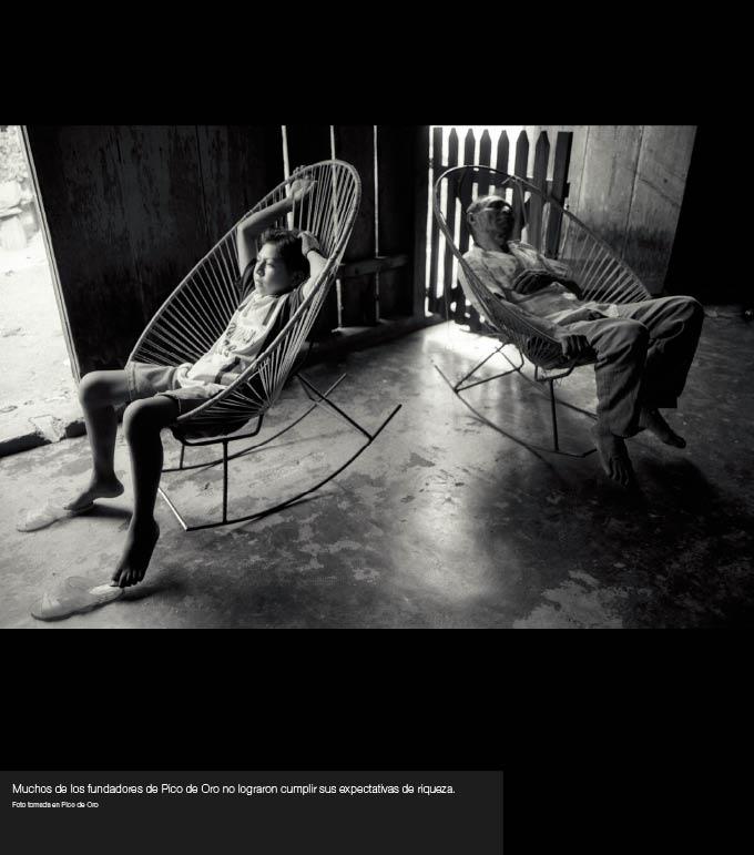 Para comprar impresiones fotográficas de cualquiera de las imágenes de la exposición, favor de contactar info@acaoax.com.