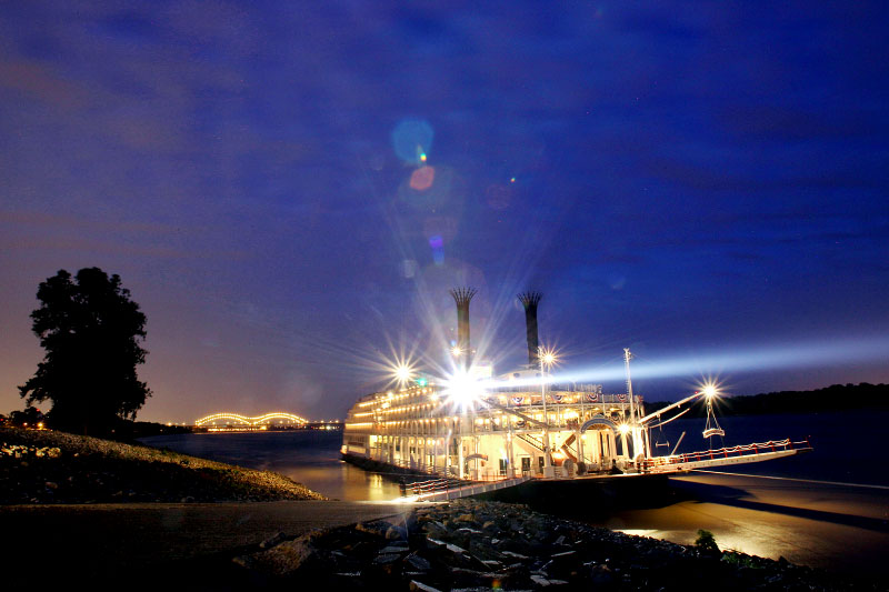 April 26, 2012 - The American Queen steamboat rests at the boat ramp on the northern tip of Mud Island as dawn breaks over Memphis on Thursday morning. For a gallery with more photos of the historic return of the American Queen visit commercialappeal.com (Mike Brown/The Commercial Appeal)