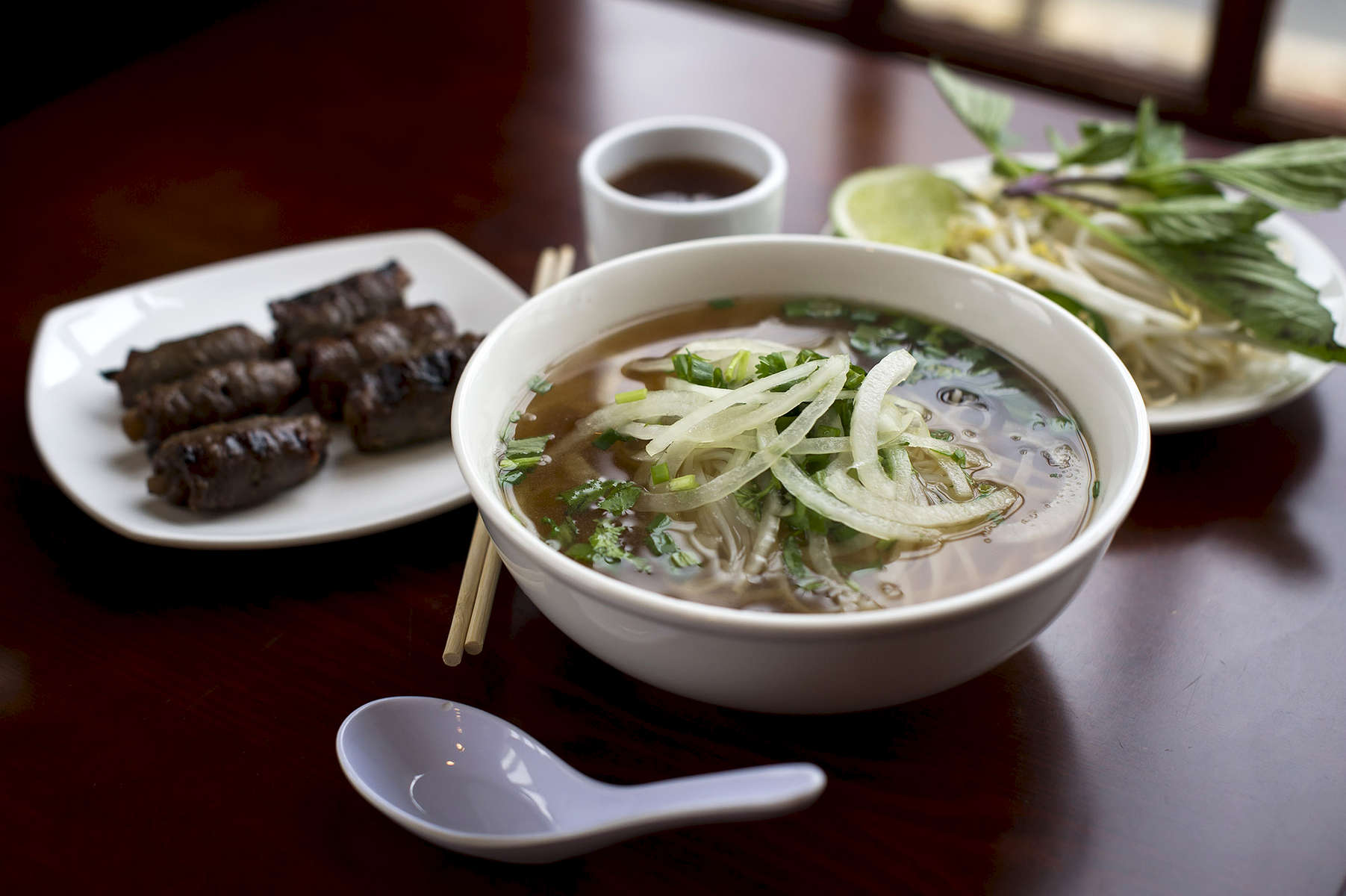 FLORHAM PARK, NJ    USA  (12/20/2014)  Viet Ai in Florham Park, N.J, is photographed for a NJ Dine Review Saturday, December 20, 2014.   The Beef Soup with Grilled Beef. Matt Rainey for The New York Times