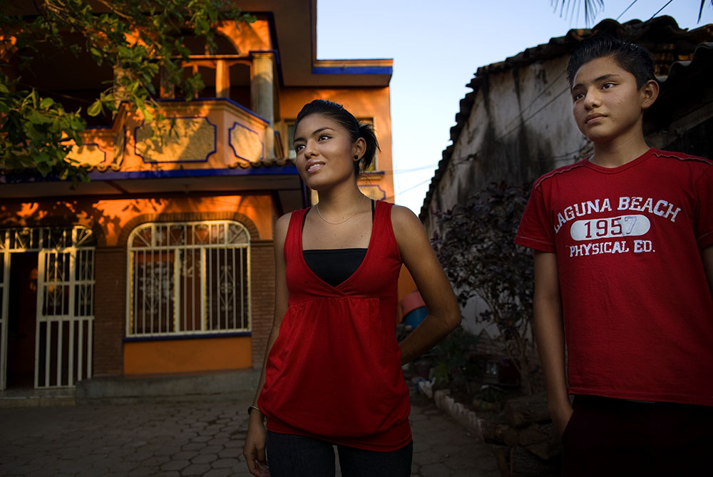 Seventeen year old Vinisia Pineda Martinez stands along side her younger brother. She visited a Mexfam Clinic out of curiosity, from there she  wound up attending a Mexfam educational program about sexual and reproductive rights . {quote}Once I learned I had options, I understood I should share this knowledge with other young people in my community.{quote}  She volunteered to become one of 35 youth promoters, her younger brother soon followed her into the program.