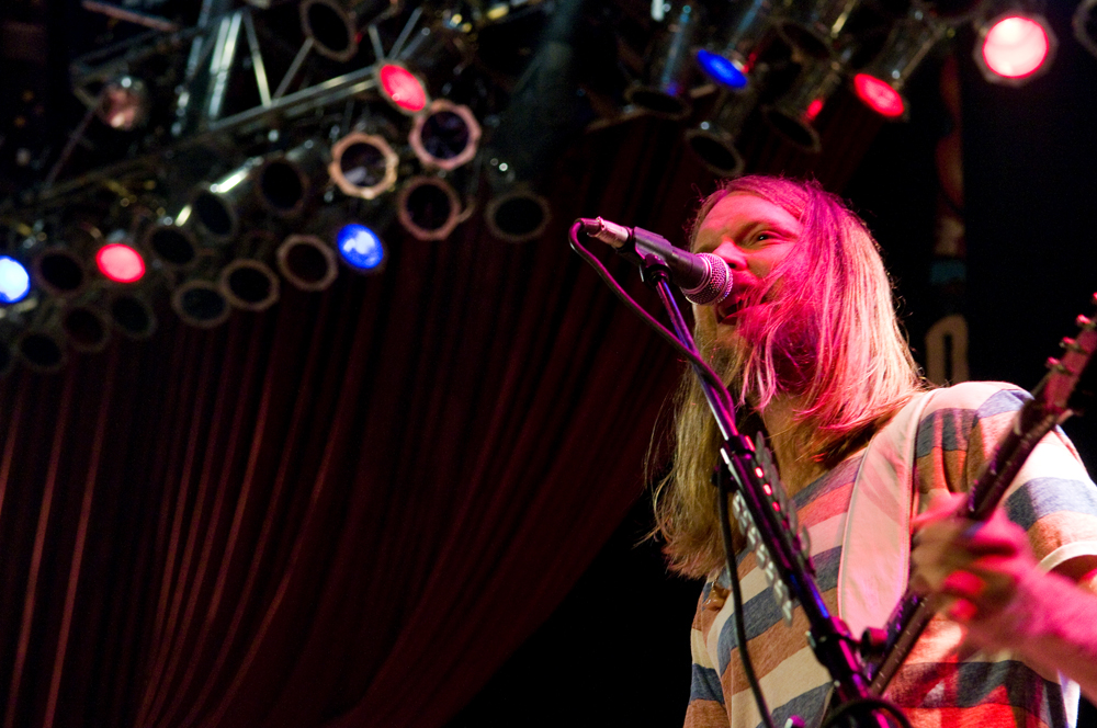 Maroon 5 guitarists, James Valentine.