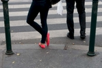 street_buda_pinkpumps_blacklegs_1814s
