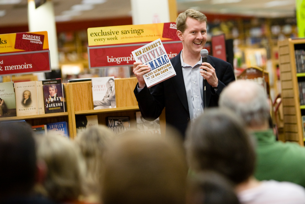 74-time Jeopardy champion Ken Jennings promotes his book at Borders.