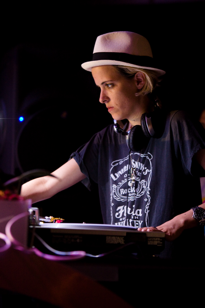 DJ Samantha Ronson spins tunes at The Estate.