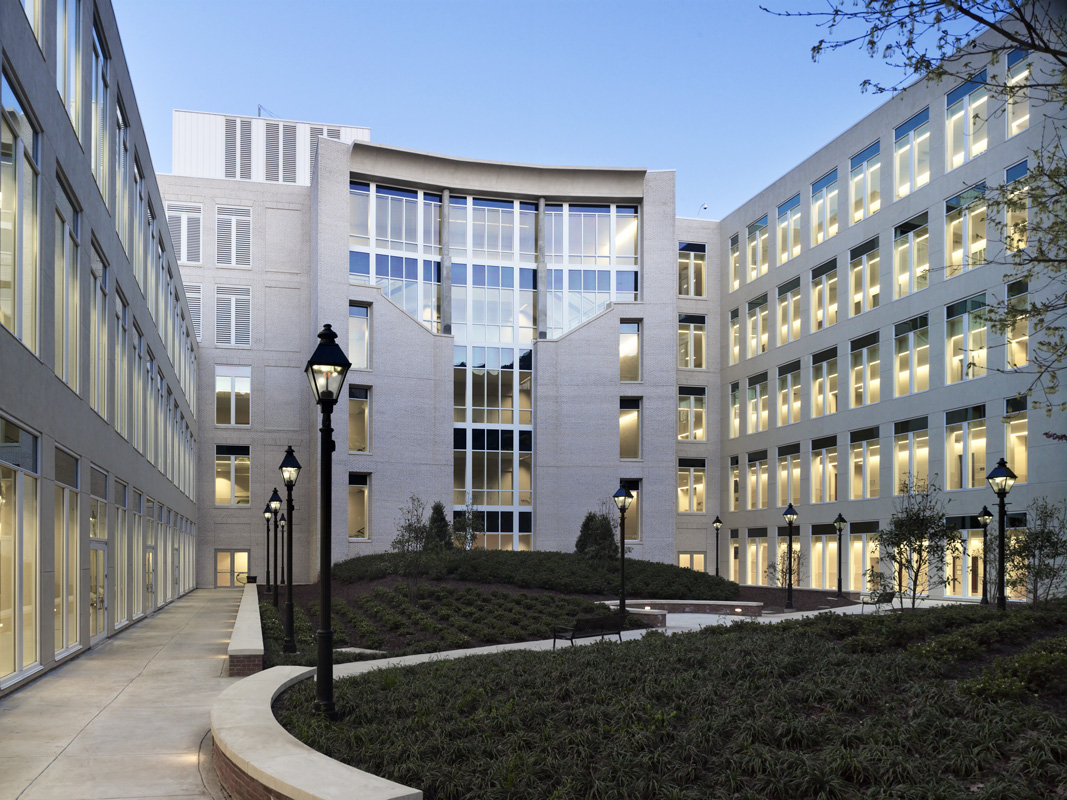 Rear Courtyard, Fairfax County Courthouse  /  Client:  Fairfax County Government