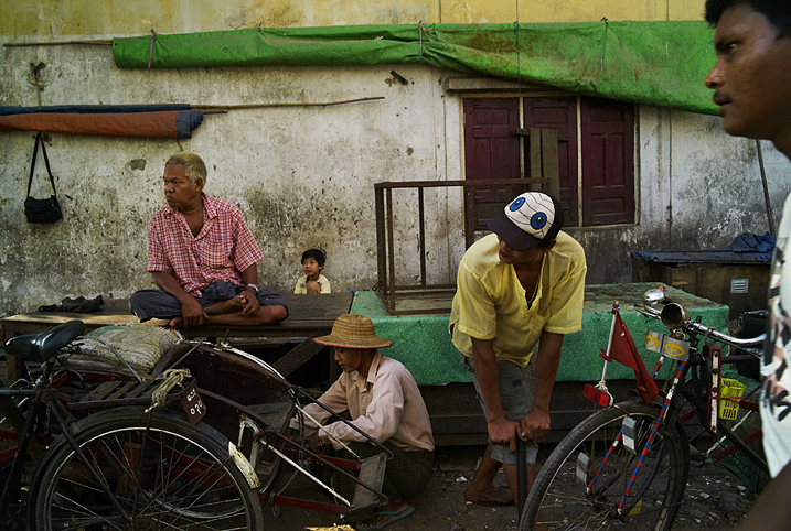 Five_people_in_Yangon_website_jpg