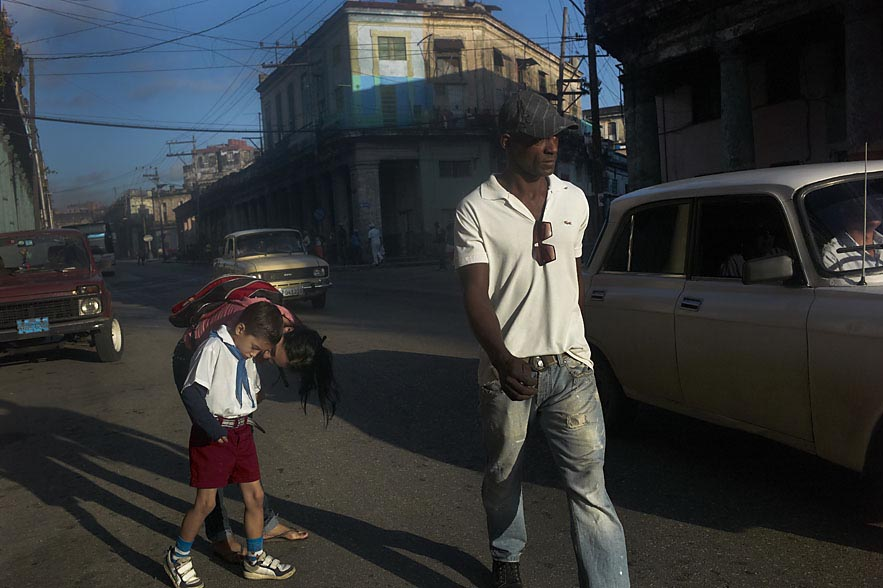 Habana_school_boy_with_mother_and_man_with_white_shirt_for_web
