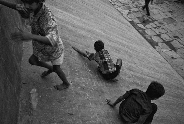 Kids_playing_in_ramp_web_8