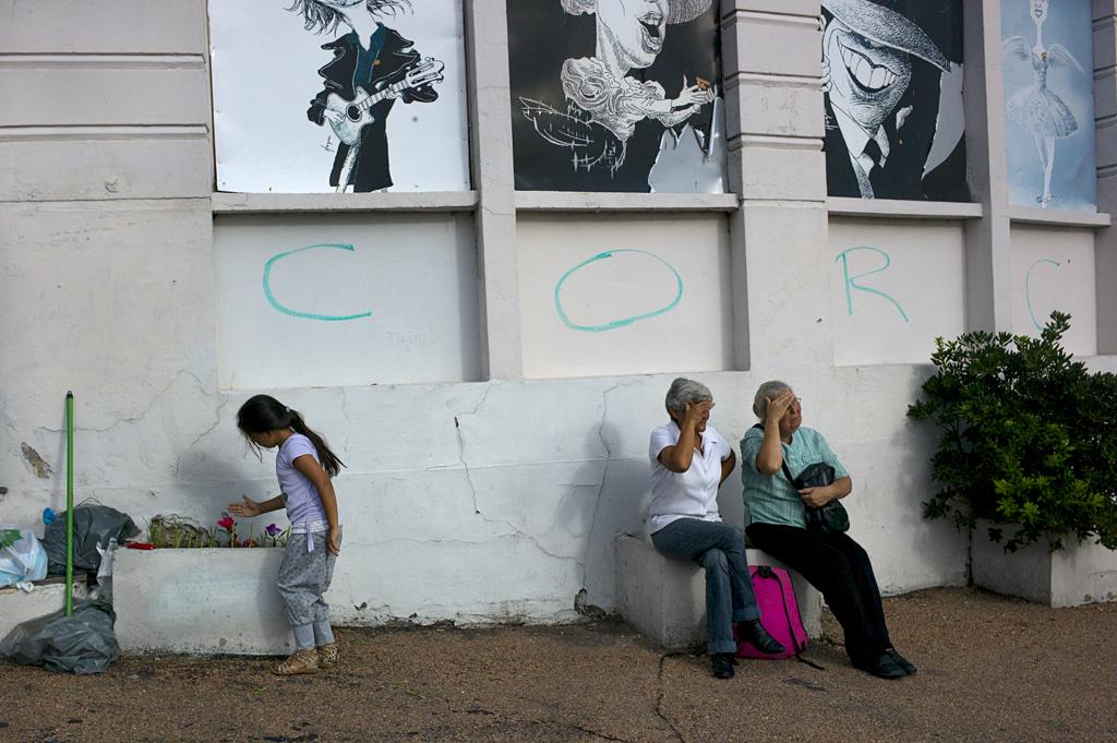 L1104917_Montevideo_dos_senoras